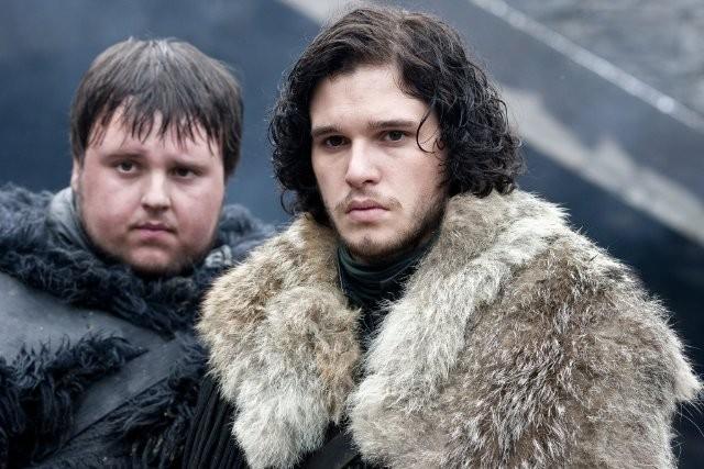 John Bradley e Kit Harington nell'episodio Cripples, Bastards, and Broken Things di Game of Thrones