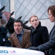 Kevin Corrigan ed Anna Torv in una scena dell'episodio The Last Sam Weiss di Fringe