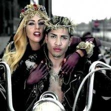 Lady Gaga e Rick Gonzalez/Gesù nel videoclip di Judas.