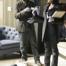 Jon Huertas e Tamala Jones in una scena dell'episodio Lucky Stiff di Castle