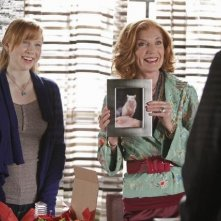 Molly C. Quinn e Susan Sullivan nell'episodio The Final Nail di Castle