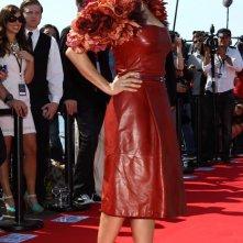 Cannes 2011: Salma Hayek presenta Il gatto con gli stivali con un abito di Gucci