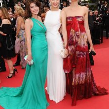 Cannes 2011, serata inaugurale: Claudia Zanella, Alessandra Mastronardi e Giulia Bevilacqua - tre 'sorelle bandiera' sul tappeto rosso