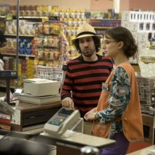 Natalie Portman e Spencer Susser in una scena del film Hesher - Bastardo dentro