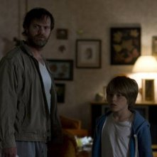 Rainn Wilson e Devin Brochu nel film Hesher