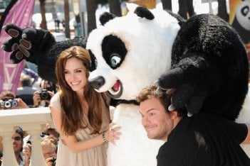 Cannes 2011: Angelina Jolie presenta il cartoon Kung Fu Panda 2 accanto a Jack Black