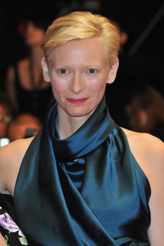 Cannes 2011: Tilda Swinton, protagonista di We Need To Talk About Kevin, sul red carpet