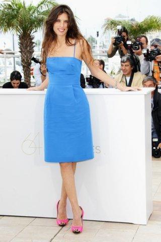 Tacchi rosa e abito blu cobalto, Maiwenn Le Besco presenta il suo Polisse a Cannes 2011