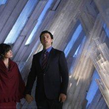 Clark (Tom Welling) e Lois (Erica Durance) parlano con Jor-El in: Prophecy di Smallville