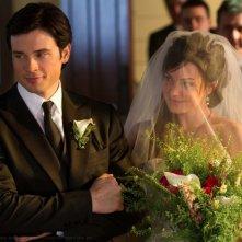 Tom Welling ed Erica Durance in un momento dell'episodio Finale di Smallville