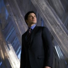 Tom Welling nella Fortezza di Ghiaccio in un momento dell'episodio Prophecy di Smallville