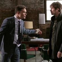 Ed Westwick e Chace Crawford in una scena dell'episodio Shattered Bass di Gossip Girl