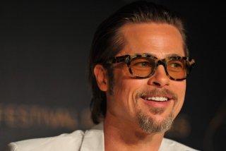 Cannes 2011: un sorridente Brad Pitt presenta The Tree of Life in conferenza stampa.