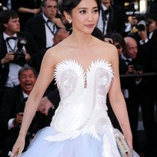 Festival di Cannes 2011: Li Bingbing sul red carpet con un abito dal corpetto inconsueto
