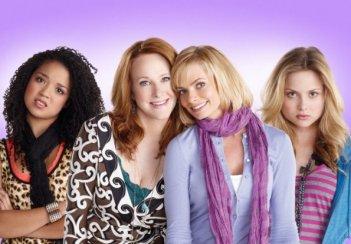 Jaime Pressly, Katie Finneran, Kristi Lauren e Aisha Dee in una foto promozionale per I Hate My Teenage Daughter
