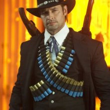 Josh Holloway nell'episodio A Fist Full of Paintballs di Community