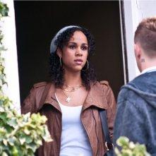 Zawe Ashton in una scena del thriller Blitz
