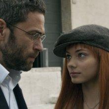 Massimo Poggio e Laura Glavan in una immagine del film 6 giorni sulla terra