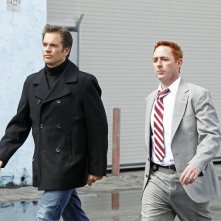 DiNozzo (Michael Weatherly) e l'ex partner Donny Price (Scott Grimes) nell'episodio Baltimore di NCIS