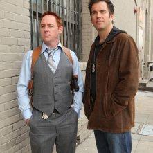 Donny Price (guest star Scott Grimes) e DiNozzo (Michael Weatherly) in Baltimore di NCIS