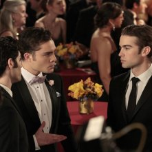 Penn Badgley, Ed Westwick, Chace Crawford nell'episodio The Wrong Kiss Goodnight di Gossip Girl