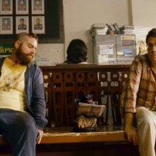 Ed Helms e Zach Galifianakis in un'immagine di Una notte da leoni 2