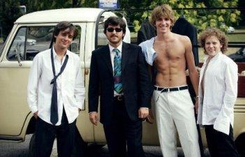 Francesco Mistichelli con Ricky Memphis, Alan Cappelli e Matteo Ripaldi nel film-tv Notte prima degli esami '82