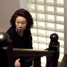Yoon Yeo-Jung in una scena di The Housemaid