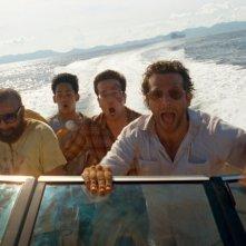 Zach Galifianakis e Bradley Cooper con Mason Lee  ed Ed Helms in una scena di Una notte da leoni 2