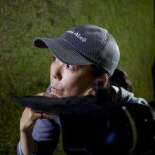 La regista Naomi Kawase sul set del film Hanezu no Tsuki