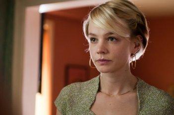 Un primo piano di Carey Mulligan nel film Drive (2011)