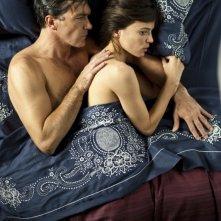Antonio Banderas e Elena Anaya in una scena di La Piel que Habito