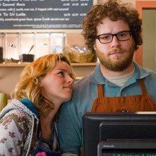 Elizabeth Banks con Seth Rogen nel film Zack and Miri