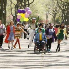 Il cast di Glee a Central Park nell'episodio New York, finale della seconda stagione