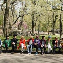 Il giovane cast di Glee a Central Park nell'episodio New York, finale della seconda stagione