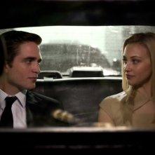 Robert Pattinson e Sarah Gadon nella prima immagine di Cosmopolis