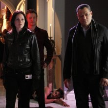 Jorja Fox e Laurence Fishburne in una scena dell'episodio Unleashed di CSI: Scena del crimine