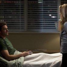 Scott Foley e Kim Raver nell'episodio Unaccompanied Minor di Grey's Anatomy
