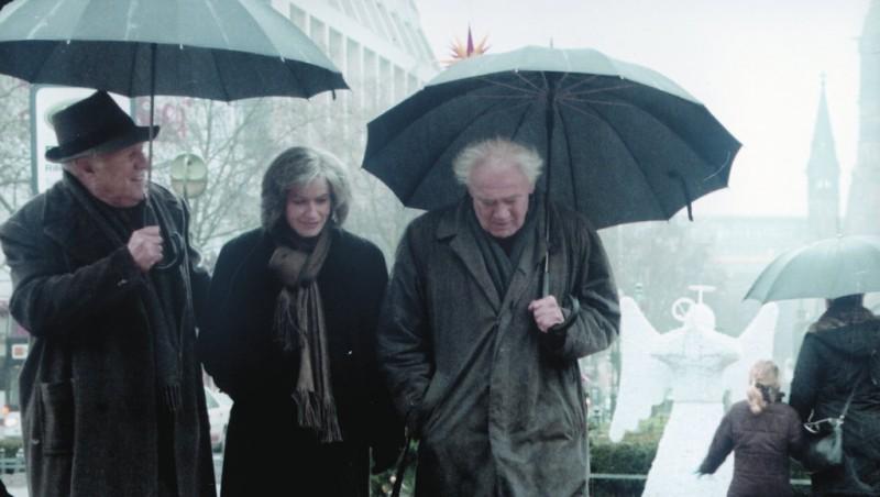 Michel Piccoli Irene Jacob E Bruno Ganz In Una Scena Del Film The Dust Of Time I Skoni Tou Hronou 204879