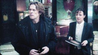 Willem Dafoe e Christiane Paul nel film La polvere del tempo (I skoni tou hronou)