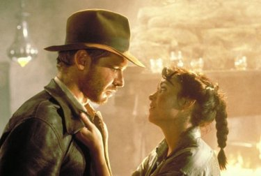 Harrison Ford e Karen Allen in una scena de I predatori dell'arca perduta