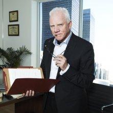 Malcolm McDowell in una foto promozionale di Franklin & Bash