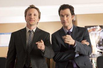 Mark-Paul Gosselaar e Breckin Meyer in una immagine promozionale di Franklin & Bash