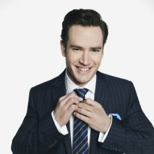 Mark-Paul Gosselaar in una foto promozionale di Franklin & Bash