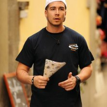 Vinny Guadagnino fuori dalla pizzeria O'Vesuvio dove il 'Jersey Shore' sta lavorando durante le riprese in Italia