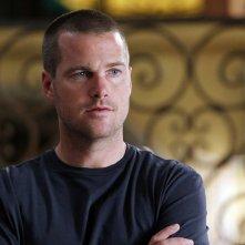 Chris O'Donnell in una sequenza dell'episodio Imposters di NCIS: Los Angeles