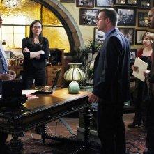 La squadra indaga nell'episodio Familia di NCIS: Los Angeles