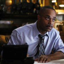 Leon Vance (Rocky Carroll) in una scena dell'episodio Familia di NCIS: Los Angeles