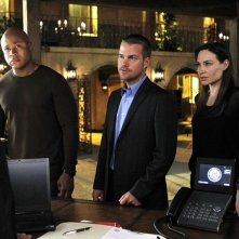 LL Cool J, Chris O'Donnell e Claire Forlani nell'episodio Familia di NCIS: Los Angeles