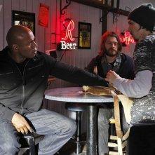 LL Cool J durante l'indagine nell'episodio Imposters di NCIS: Los Angeles